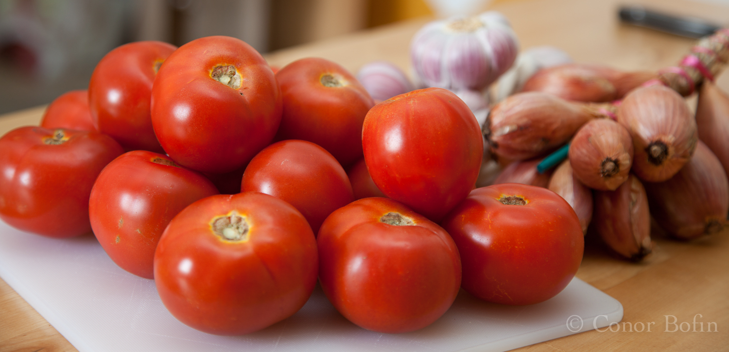Tomatoes, garlic and shallots