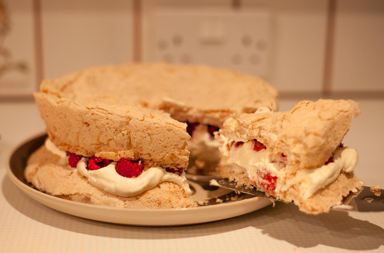 Meuringue Cake