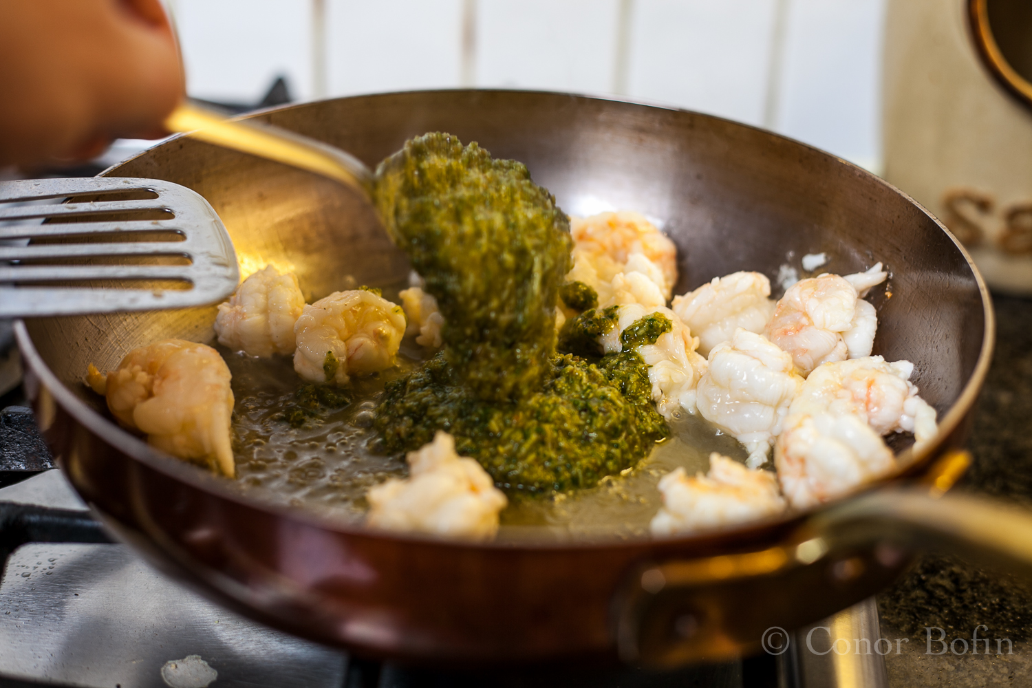 The aroma from the pesto and prawns is sensational.
